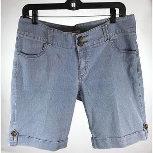 Cabi jeans blue striped shorts sz 12 euc long
